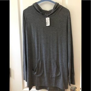 Cuddl Dudds long sleeve top with hood. NWT